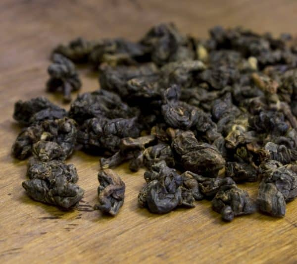 dark rolled oolong leaves