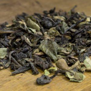 darjeeling black tea leaves
