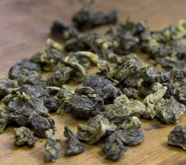 rolled oolong leaves