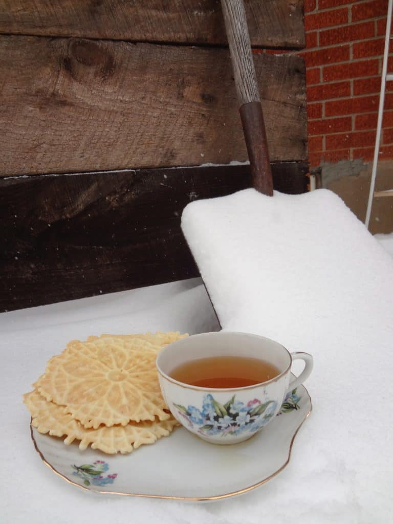 pizzelle cookie tea